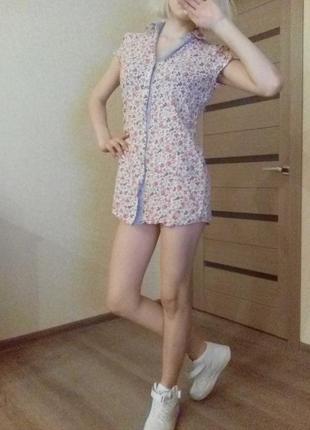 Блуза без рукавов в цветочек