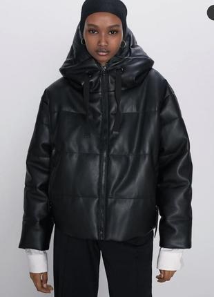 Куртка из искусственной кожи с капюшоном zara