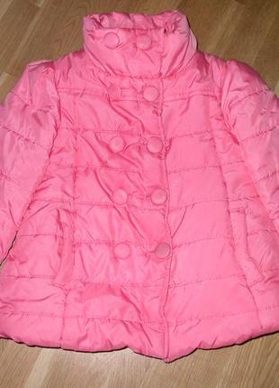 Красивая демисезонная  куртка на девочку 4-6лет