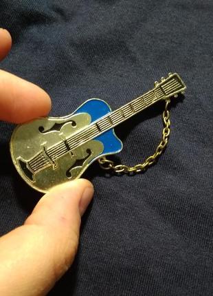 Брошь гитара