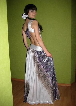 Выпускное платье в пол с открытой спиной