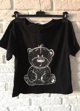 Черная футболка с принтом мишка