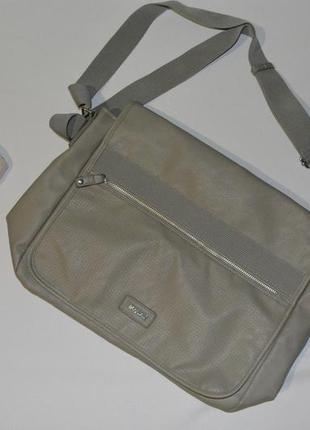 Функциональная мужская сумка через плечо