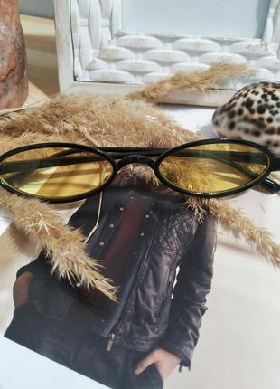 Актуальные имиджевые очки желтые солнцезащитные узкие ретро винтаж окуляри жовті3 фото