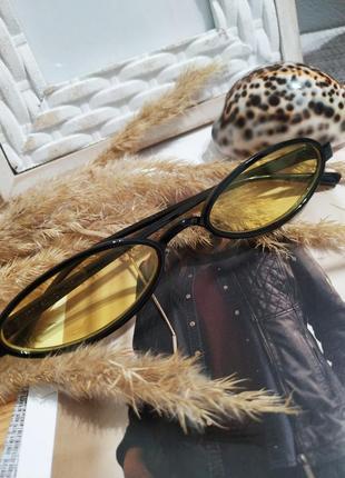Актуальные имиджевые очки желтые солнцезащитные узкие ретро винтаж окуляри жовті4 фото