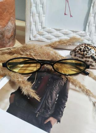 Актуальные имиджевые очки желтые солнцезащитные узкие ретро винтаж окуляри жовті2 фото