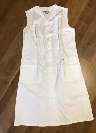 Халат медицинский белый без рукавов сарафан 54-54