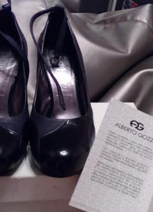 Дизайнерські італійські туфлі alberto gozzi натуральна шкіра і лак,