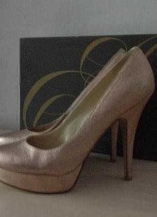 Брендовые туфли на платформе enzo angolini 38. 5, стелька 25. 5см