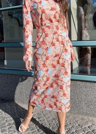 Цветочное платье с поясом