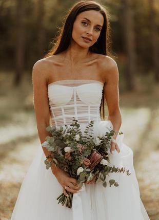 Весільна сукня з корсетом молочного кольору розмір s