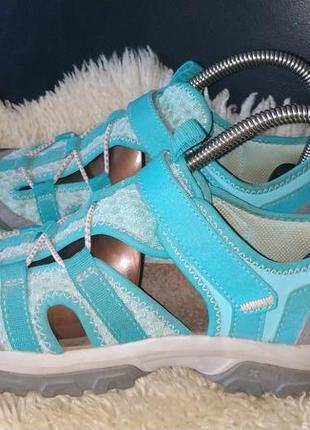 Quechua босоніжки кросівки