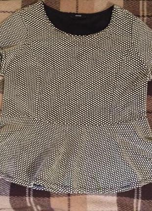 Блуза з баскою