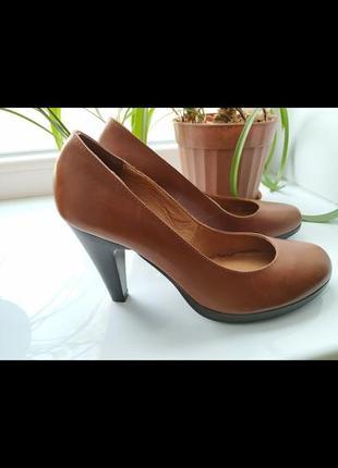Невероятные кожанные туфельки для дюймовочки)