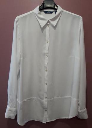 Базовая рубашка белого цвета