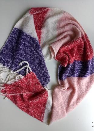 Street one, красивенний теплий фирменний шарф.