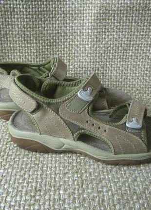 Everest р.37 босоніжки сандалі шкіра