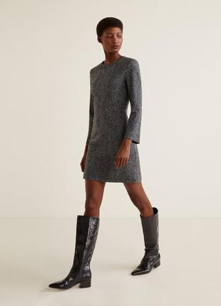 Базовое приталенное шерстяное мини платье