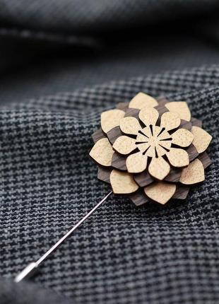 Стильная деревянная  брошь булавка унисекс