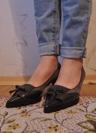 Замшевые туфли enzo di martino на тракторной подошве с каблуком 6 см