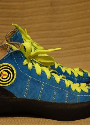 Очень яркие замшевые высокие скальные кроссовки boreal firé испания 38 р.