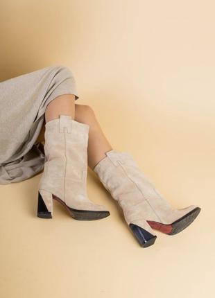 Женские демисезонные сапоги на каблуке из замши