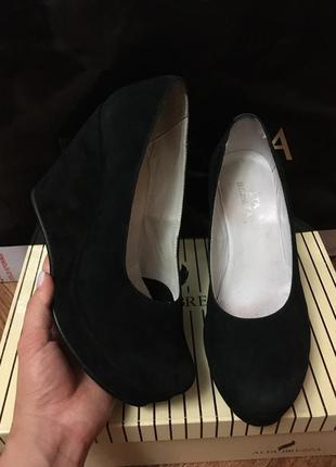 Туфли на танкетке на платформе alta brezza