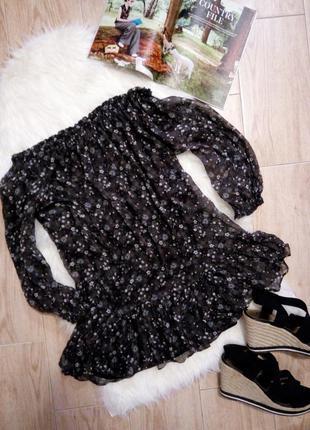 Поделиться:  невероятно красивое шелковое платье-туника бохо в цветочный принт zara