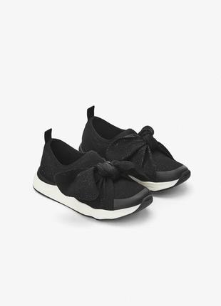 Модные кроссовки зара
