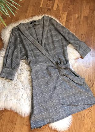 Платье твидовое на запах