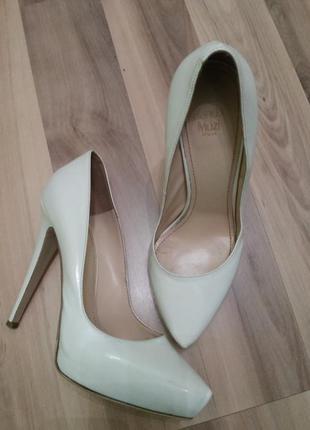 Брендовые туфли (свадебные)