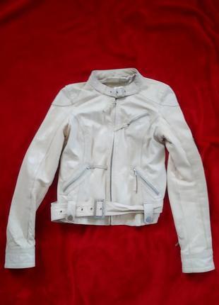 Натуральная кожаная куртка мото курточка бежевая stradivarius m
