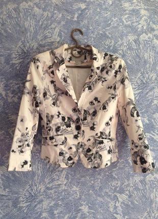 Пиджак в цветочный принт h & m
