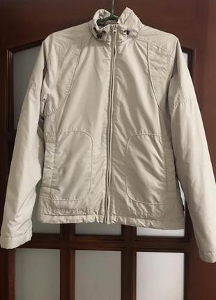 Куртка спортивная демисезонная  diadora, размер xs по бирке, но реальнее на s!!!