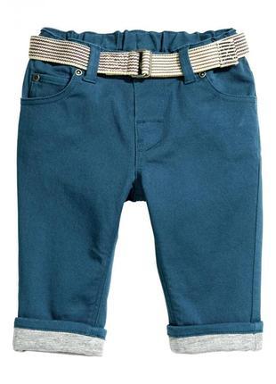 Хлопковые брюки на подкладке h&m 0414156006 синего цвета