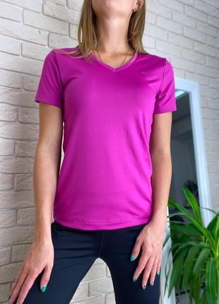 Розовая футболка спортивная puma