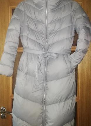 Стильний пуховик-пальто