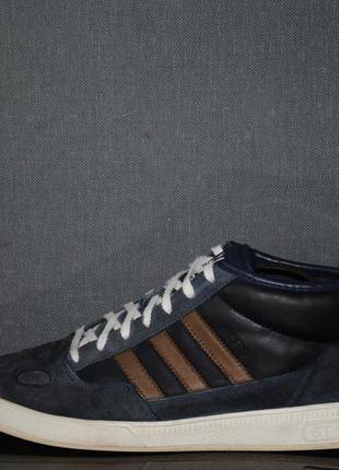 Кроссовки adidas 45 р
