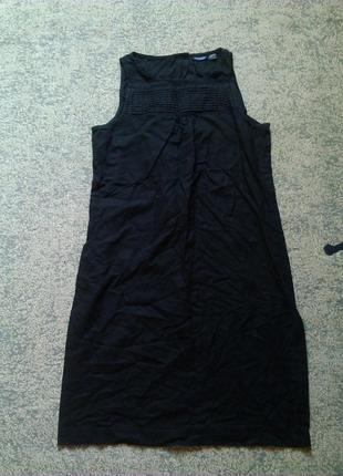 Черное платье из льна сзади на пуговицах
