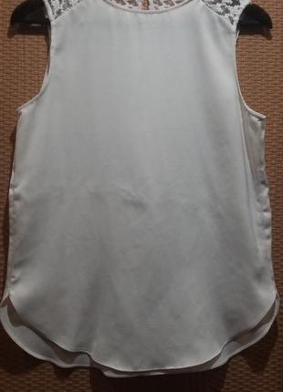 Белая блузочка с ажурными вставками