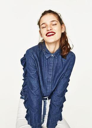 Джинсовая рубашка блуза с рюшем zara