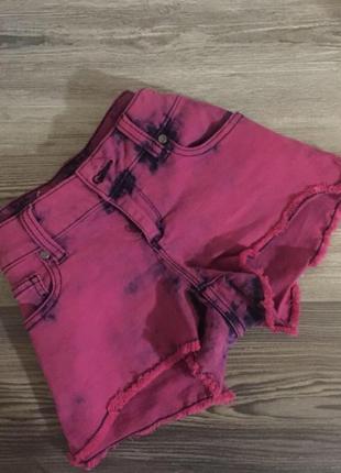 Розовые шорты короткие с разводами s m