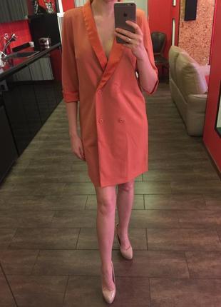 Скидка! продам стильное платье-пиджак прямого кроя, новое