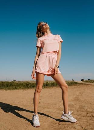 Спортивний жіночий костюм двійка шорти футболка кроп топ