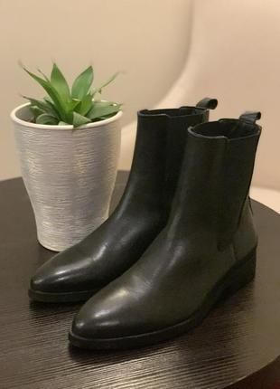 Женские кожаные ботинки mango