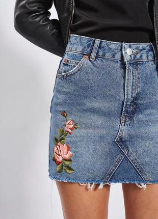 🌿юбка джинсовая topshop с вышивкой роз