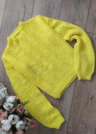 Ярко жовта кафто з обємним рукавом