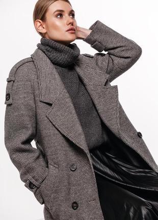 Шерстяное пальто в клетку с погонами демисезон зима