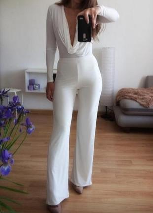 Балдежные брюки с розрезами по бокам от pretty little things