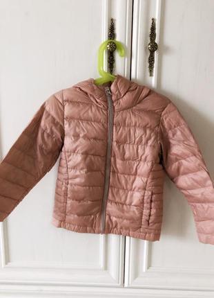 Легкая детская пуховая курточка розового цвета с капюшоном, next